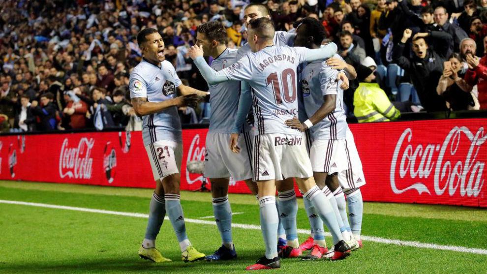 Los jugadores del Celta celebrando un gol ante el Sevilla.